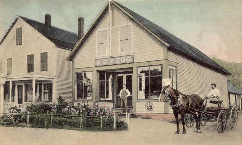 Fogg's_Store,_Hancock,_NH